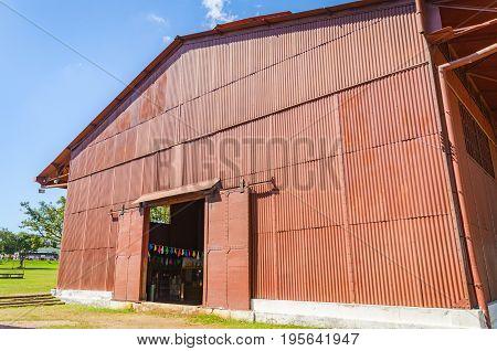 Big Red Warehouse On Estrada De Ferro Madeira-mamore