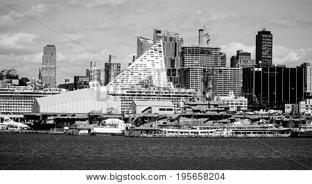 US Intrepid Battleship and Museum in Manhattan- MANHATTAN - NEW YORK