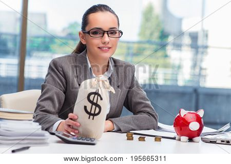 Bankrupt broke businesswoman with piggy bank