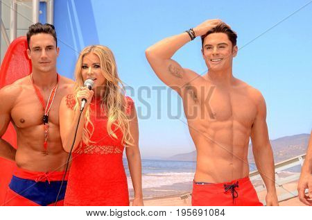 LOS ANGELES - July 13:  Models, Carmen Electra, Zac Efron Wax Figure at the Madame Tussauds Unveils A Wax Figure Of Zac Efron at the Madame Tussauds Hollywood on July 13, 2017 in Los Angeles, CA