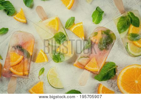 Popsicles Of Sangria, Lemonade Or Mojito