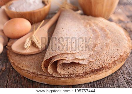 buckwheat crepe with ingredients