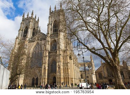 YORK, ENGLAND, UK-FEBRUARY 24TH 2017: Beautiful sunshine and fine weather was enjoyed by visitors to York Minster in York, North Yorkshire on Friday 24th February 2017