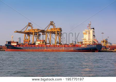 Cargo ship terminal unloading truck, Shipping terminal
