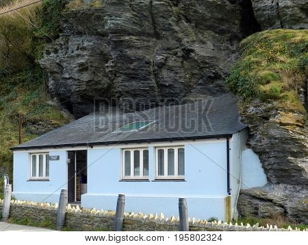 Smugglers Cottage - a house built onto a rock in Trebarwith Strand - Cornwall