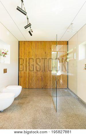 Simple Decor Of Contemporary Bathroom