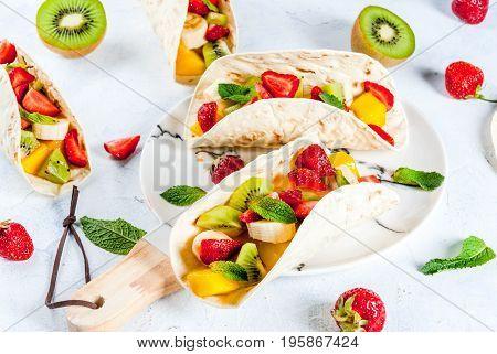 Summer Snacks. Fruit Tacos
