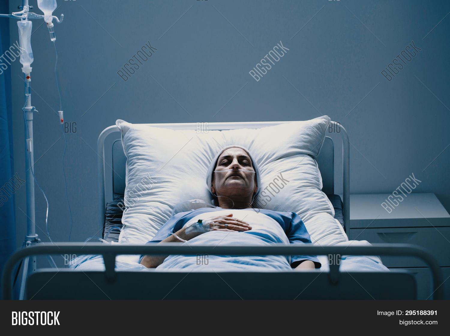 Suffering Senior Woman Image & Photo (Free Trial) | Bigstock