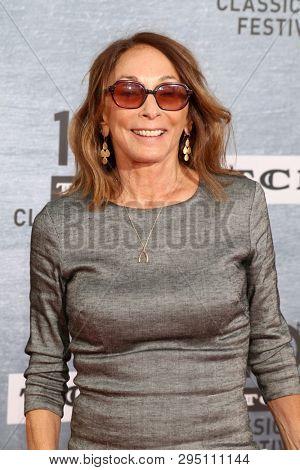 LOS ANGELES - APR 11:  Lynda Obst at the 2019 TCM Classic Film Festival Gala - 30th Anniversary Screening Of