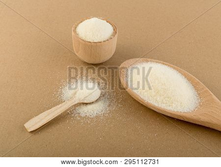 Dry Gelatine Powder And Granules Used As A Gelling Agent