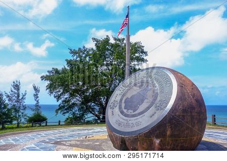 Kudat,sabah,malaysia-feb 3,2018:the Bronze Globe Monument In The Tip Of Borneo In Kudat,sabah.the Gl