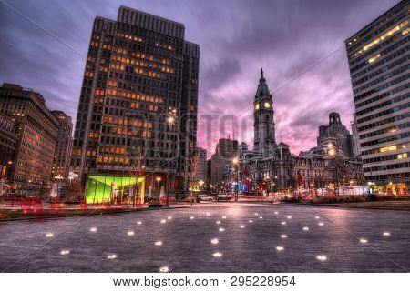 Philadelphia, Usa - January 2, 2019: Square Near Philadelphia City Hall With Buildings At Sunrise Ti