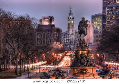 Philadelphia, Pa, Usa - December 20, 2017: Views Of Benjamin Franklin Parkway, City Hall, Eakins Ova