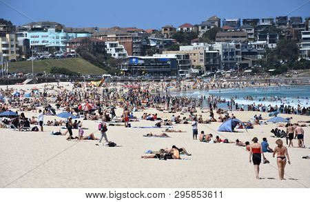Sydney, Australia - Nov 4, 2018. People Relaxing At The Beach On A Hot Sunday In Spring Time. Bondi