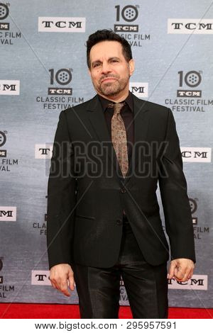 LOS ANGELES - APR 11:  Mario Cantone at the 2019 TCM Classic Film Festival Gala -