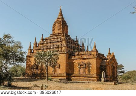 Old Bagan, Myanmar - January 27, 2020. Buddhist Ancient Pagoda. Panorama Of Old Temples In Bagan. Gr