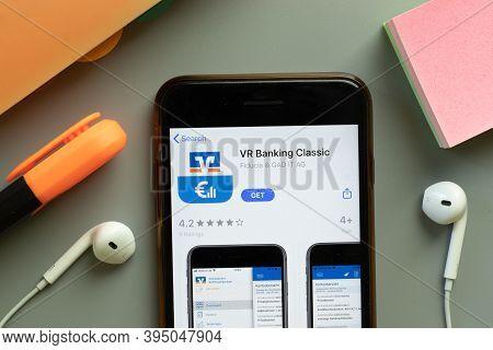 New York, United States - 7 November 2020: Vr Banking Classic App Store Logo On Phone Screen, Illust