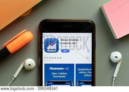 New York, United States - 7 November 2020: Borse Aktien Finanzen.net App Store Logo On Phone Screen,