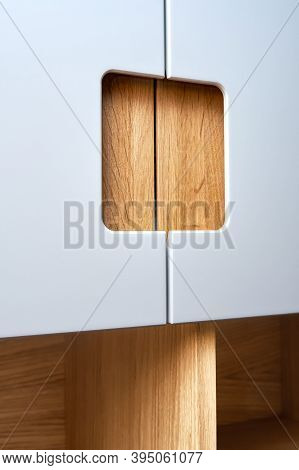Modern Wardrobe With Finger Pull Design. Wooden Wardrobe With Light Gray Cabinet Doors. Modern Furni