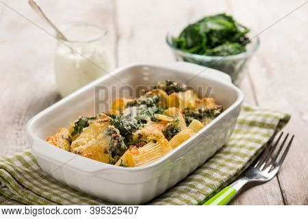 oven pasta with spinach and cream sauce