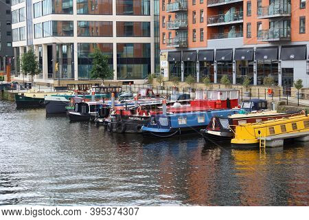 Leeds, Uk - July 12, 2016: House Boats Moored In Leeds, Uk. There Are 15,000 People Living In House