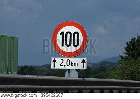 100 Kilometers Per Hour Speed Limit Sign