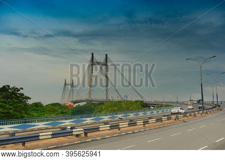 Kolkata, West Bengal, India - 6th August 2019 : Vidyasagar Setu (bridge) Over River Ganges, 2nd Hoog
