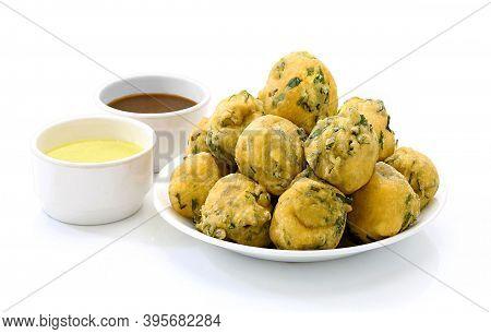 Indian Street Fried Food Pakora Also Know As Pakoda, Bhajiya, Bhajia, Methi Gota, Kanda Bhaji, Pyaz