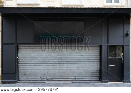 Closed Retail Down Store After Insolvency In Economy Concept