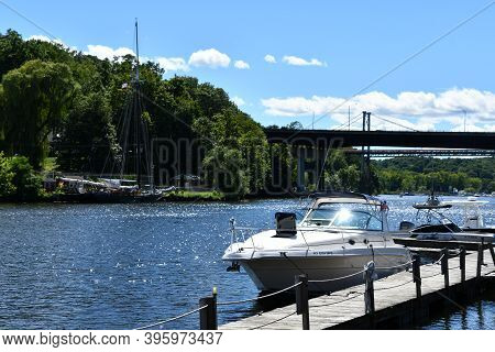 Kingston, Ny - Jul 26: Boats On The Hudson River In Kingston, New York, As Seen On July 26, 2020.
