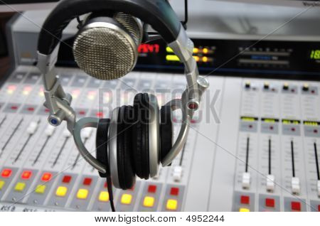Radio Console1