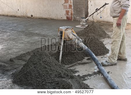 execution of screed flooring