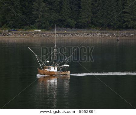 wood hull fishing boat