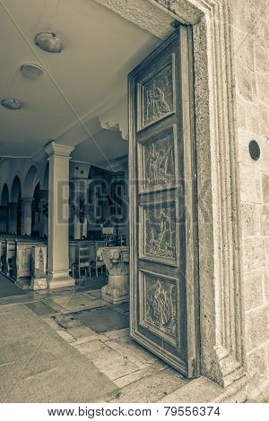 Supetar church door