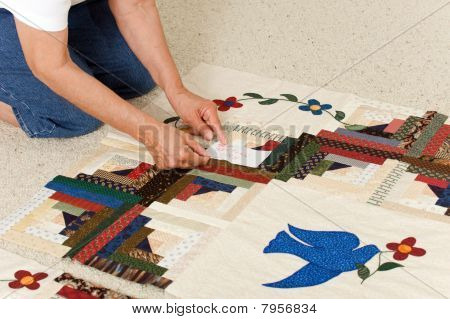 Pinning Label On Quilt