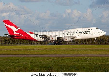 Boeing 747 Landing
