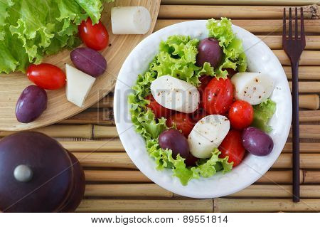 Fresh Salad Of Heart Of Palm (palmito), Cherry Tomatos And Olives