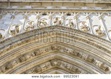 Sculptures arc, amazing and beautiful cathedral in Toledo, Spain