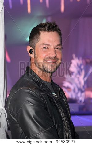 Evening Entertainment, Mc And Singer, Jay Du Plessis