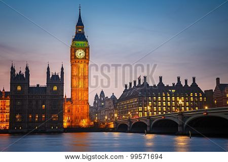 Big Ben and westminster bridge at dusk in London
