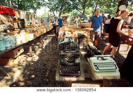 People Choose Vintage Typewriters And Cookware