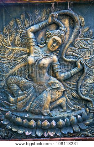 Kho Phanga  Incision Gods Of Earth In Green