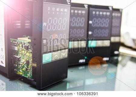 Electronic Equipment Temperature
