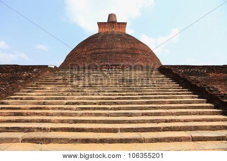 Jethawana Dagoba, Anuradhapura