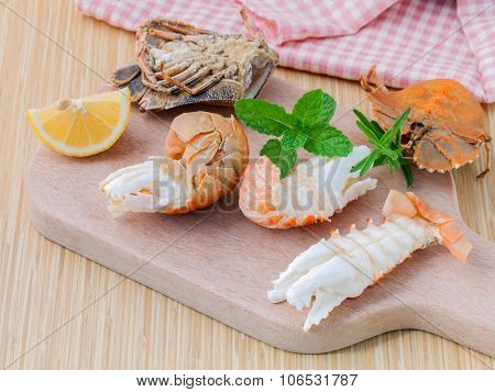 Boiled Flathead Lobster, Lobster Moreton Bay Bug, Oriental Flathead Lobster With Herbs And Spices  S