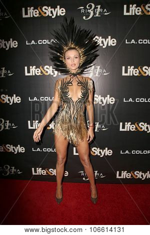 LOS ANGELES - OCT 29:  Joanna Krupa at the Life & Style Weekly's