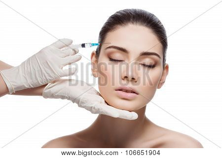 Woman gets collagen injection