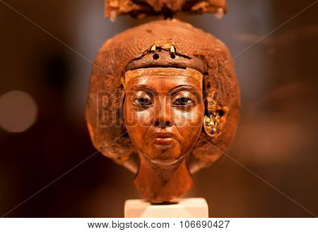 14Th Century Bc Statuette Of Queen Tiy With Feather Crown In Egyptian Museum