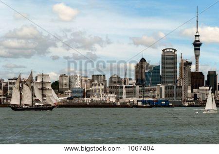 Windjammer On Harbour