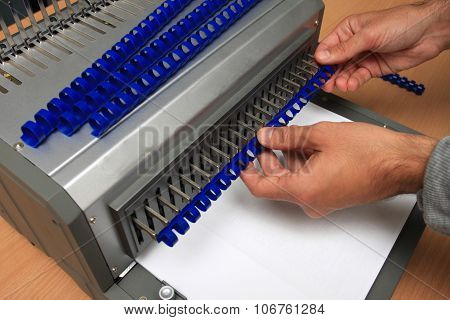 Comb Binder Machine With Clipping Path